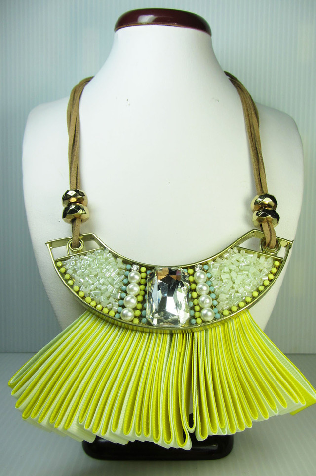 FASHION YELOW FAN    STYLE  NECKLACE    QT258