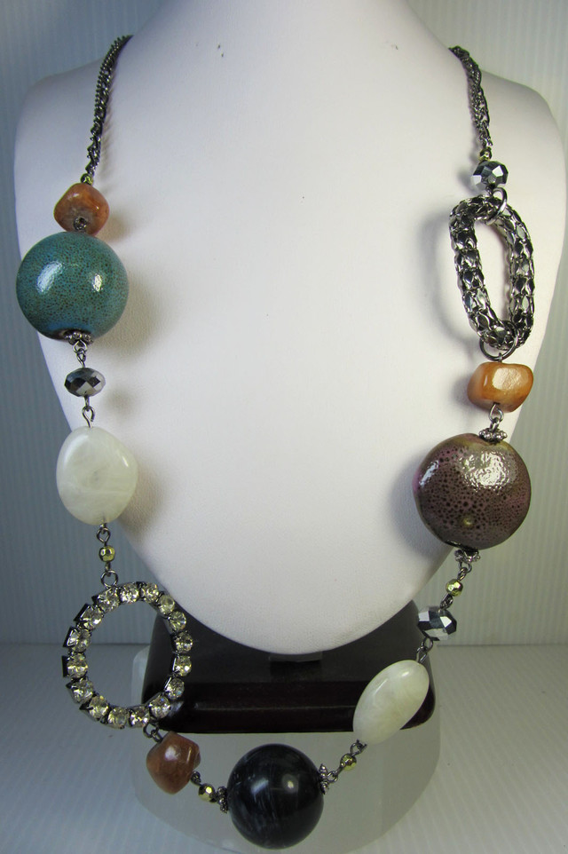 LONG  BEAD FASHION  STYLE  NECKLACE    QT 307