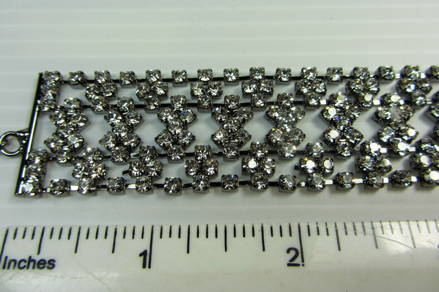 PEWTER SILVER DIAMOND BRACELET  QT 322