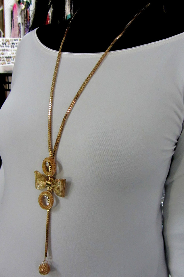 BOW LONG FASHION  STYLE  NECKLACE    QT 461