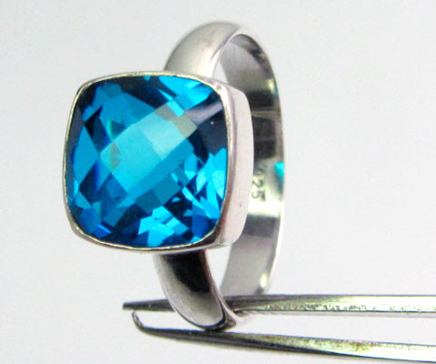 SEA BLUE  TOPAZ RING IN SILVER SIZE R.5  QT 501