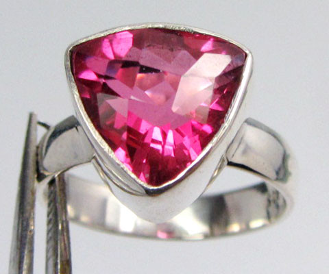 PINK TRILLION   TOPAZ RING IN SILVER SIZE 9 QT 510