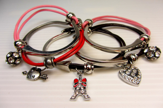 PARCEL DEAL FIVE/ LEATHER/BRONZE  BRACELETS QT 520