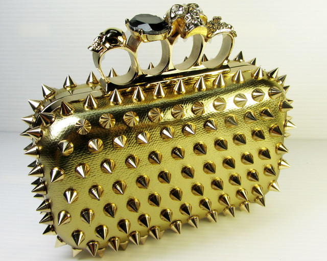 SKULL GOLDEN HANDBAG- GOLD SPIKEY POINTS   QT 535