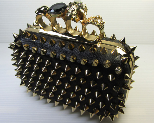 SKULL BLACK  HANDBAG- GOLD SPIKEY POINTS   QT 536