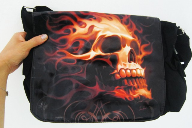 FLAMING SKULLS MESSENGER BAG BY TOM WOODS QT5 50