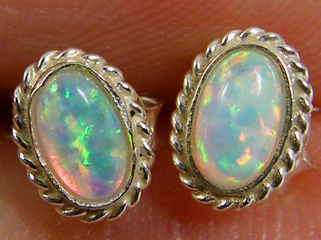 MODERN IMO OPAL   SILVER EARRING    MYT 824