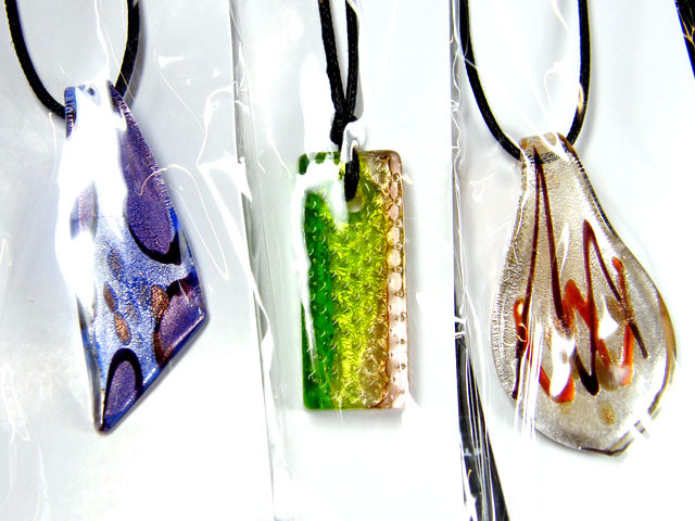 PARCEL THREE VENETIAN GLASS PENDANTS GTT 732