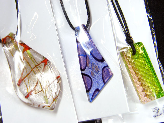 PARCEL THREE VENETIAN GLASS PENDANTS GTT 742