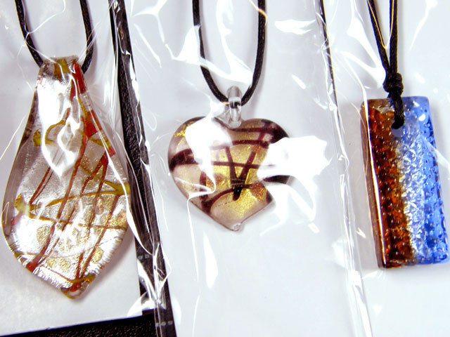 PARCEL THREE VENETIAN GLASS PENDANTS GTT 745