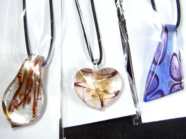 PARCEL THREE VENETIAN GLASS PENDANTS GTT 746