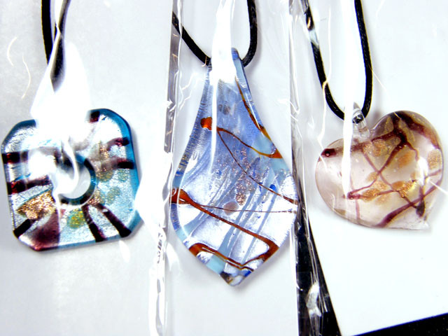 PARCEL THREE VENETIAN GLASS PENDANTS GTT 748