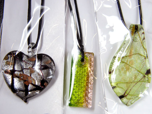 PARCEL THREE VENETIAN GLASS PENDANTS GTT 749