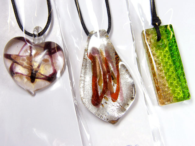 PARCEL THREE VENETIAN GLASS PENDANTS GTT 750