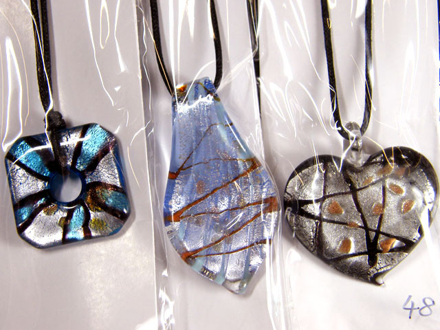 PARCEL THREE VENETIAN GLASS PENDANTS GTT 752
