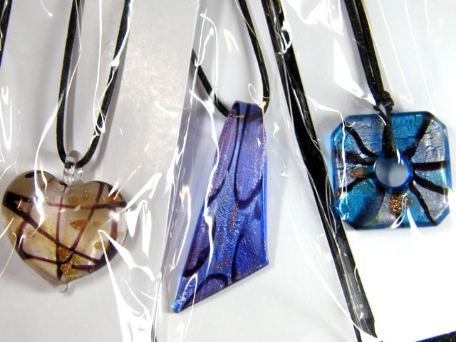 PARCEL THREE VENETIAN GLASS PENDANTS GTT 765