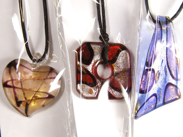 PARCEL THREE VENETIAN GLASS PENDANTS GTT 770
