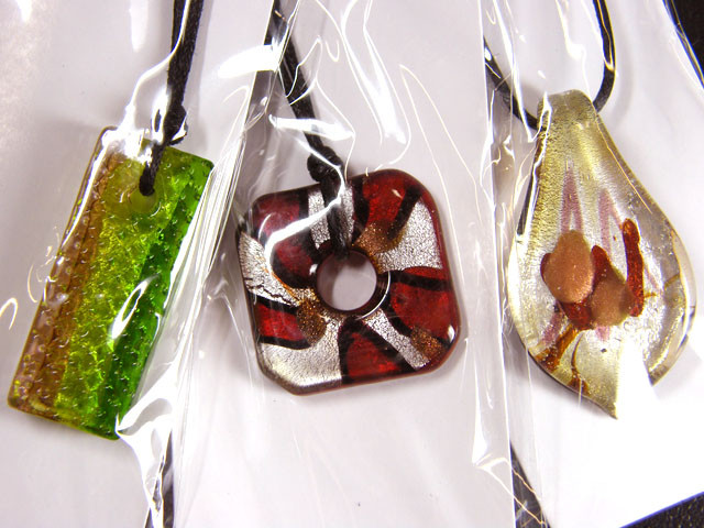 PARCEL THREE VENETIAN GLASS PENDANTS GTT 771