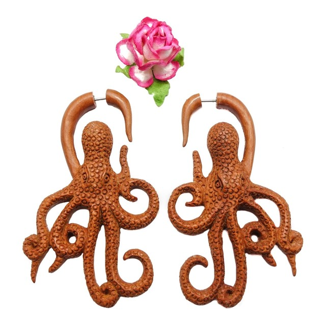 Kool Octopus Fake Gauge Earrings Brown Sono Wood