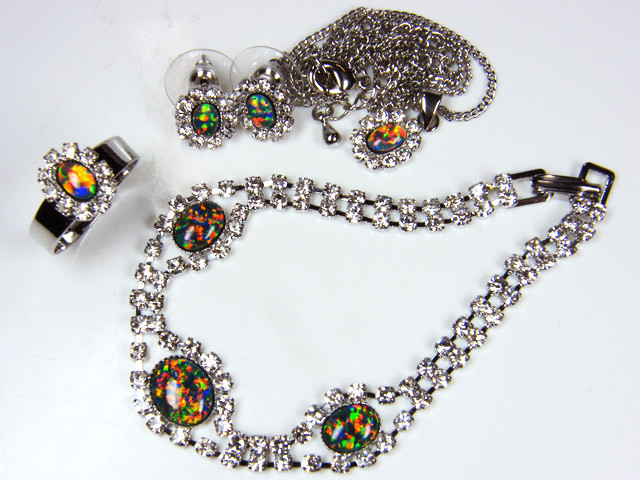 COMPLETE FOUR PIECE SET OPAL JEWELERY   GTT 1075