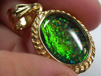 BEAUTIFUL MAN MADE GEM OPAL PENDANT ML536