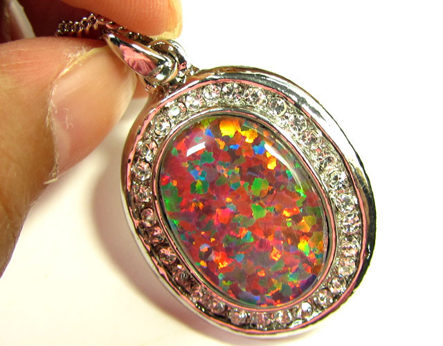 ATTRACTIVE OPAL PENDANT CSS 106