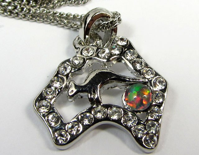 ATTRACTIVE OPAL  FASHION PENDANT CSS 188
