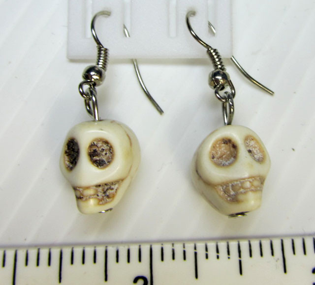SKULL NECKLACE WITH MATCHING EARRINGS  QT113