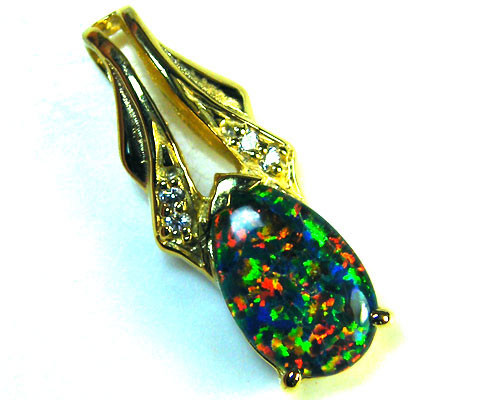 BEAUTIFUL BRIGHT  OPAL PENDANT      ML559