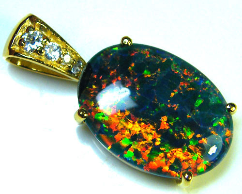 BEAUTIFUL BRIGHT  OPAL PENDANT      ML547
