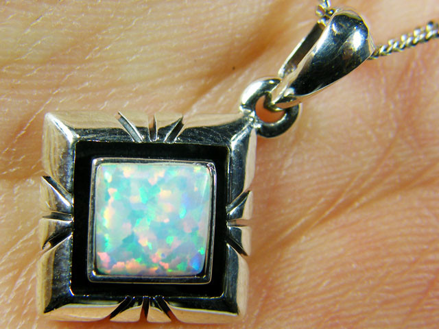 IMO OPAL   STERLING SILVER PENDANT    MYT636