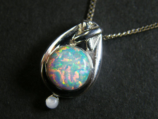 IMO OPAL   STERLING SILVER PENDANT    MYT651