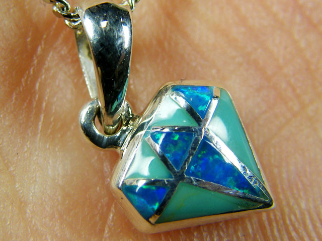IMO OPAL INLAY   STERLING SILVER PENDANT    MYT655