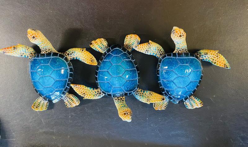 Treasures Box of 3 Realistic Marble Blue Turtles code  TURTMJ7