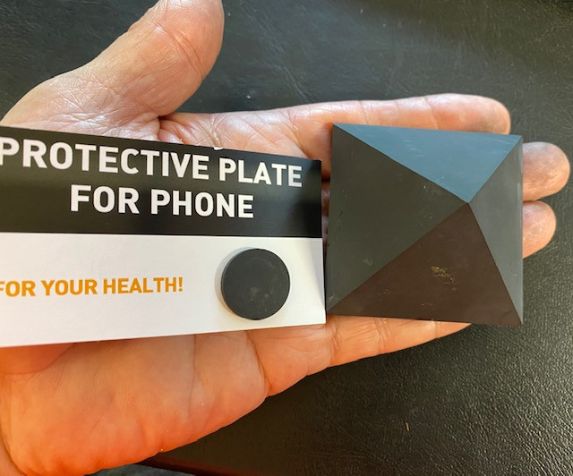 Shungite Pyramid and Mobile Phone Plate Protection CCC 201