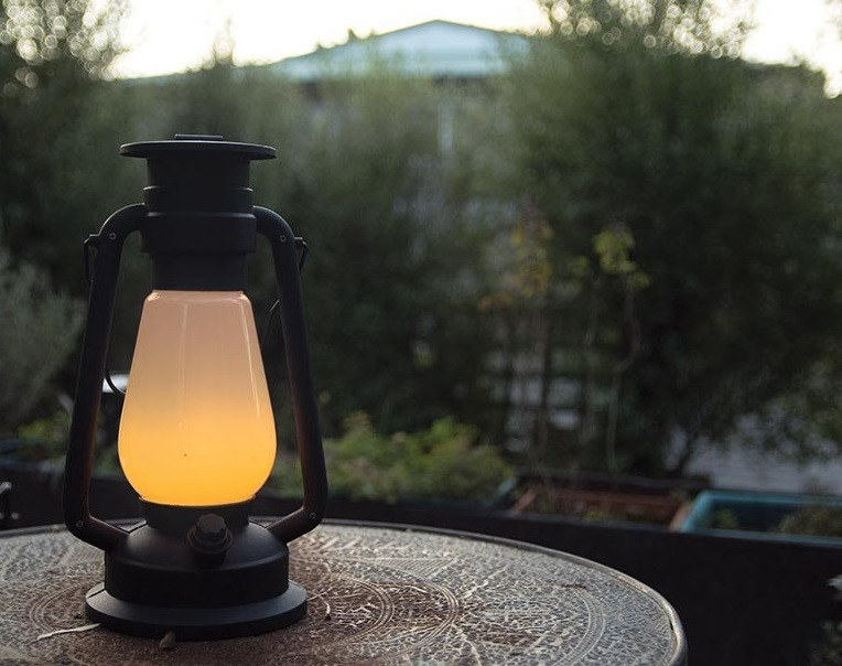 LED Glowing Hurricane Lamp       code 17056