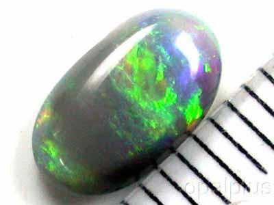 0.9 Cts   Australian  Black Opal V57