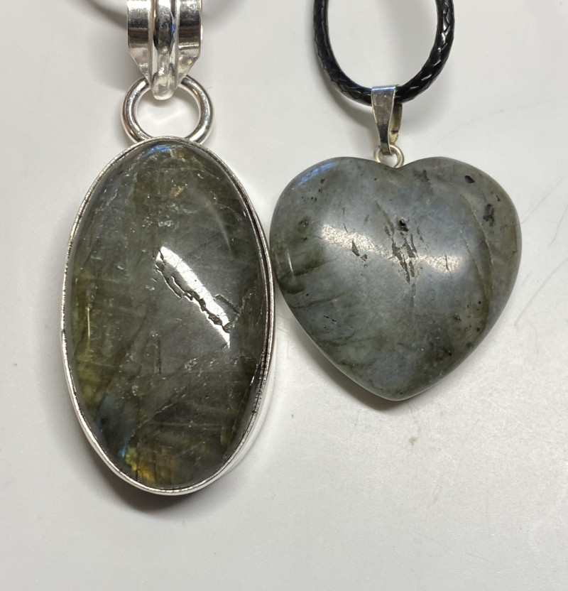 63 cts Labradorite pendant and heart shape one CCC 226