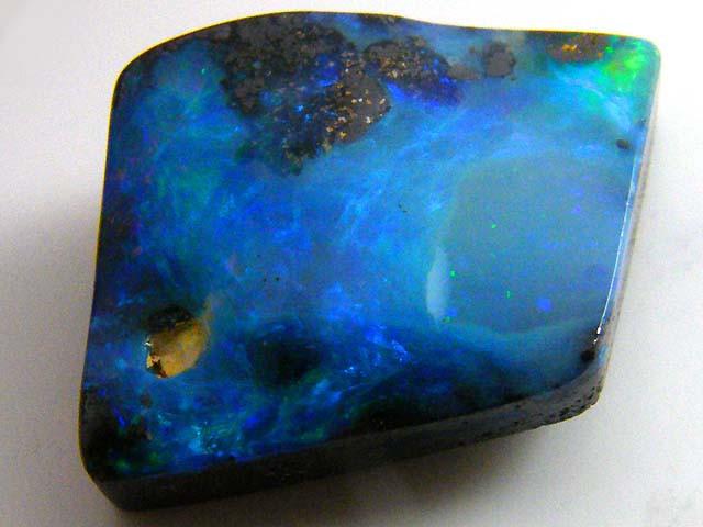 10.5 Cts    Australian  Boulder Opal  MM1592