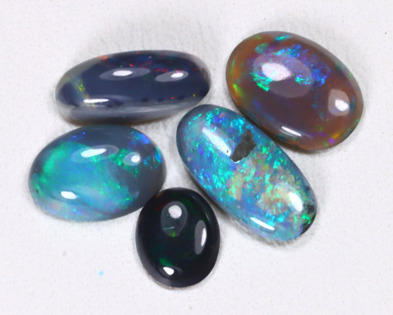 3.25Cts   Parcel of Australian  Black  Opal  CCC  479