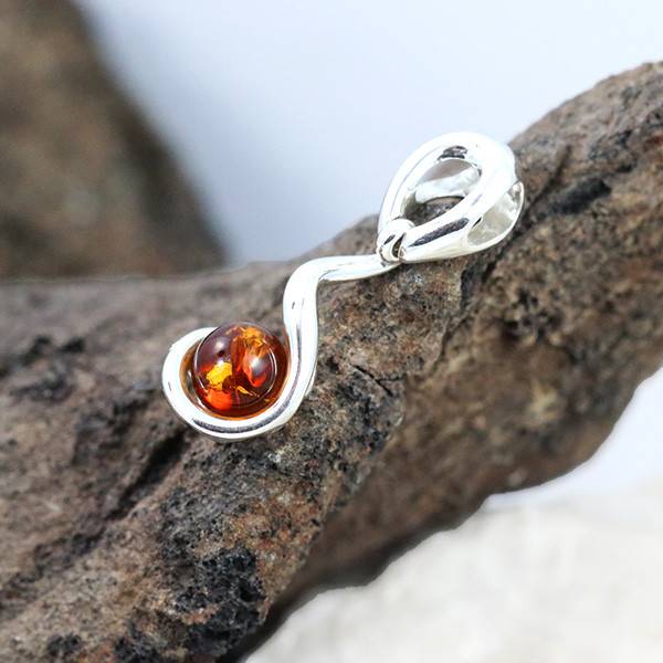 Baltic Amber Pendant , direct from Poland RN267