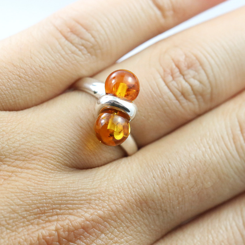 Baltic Amber Ring, direct from Poland SIZE 6 RN501