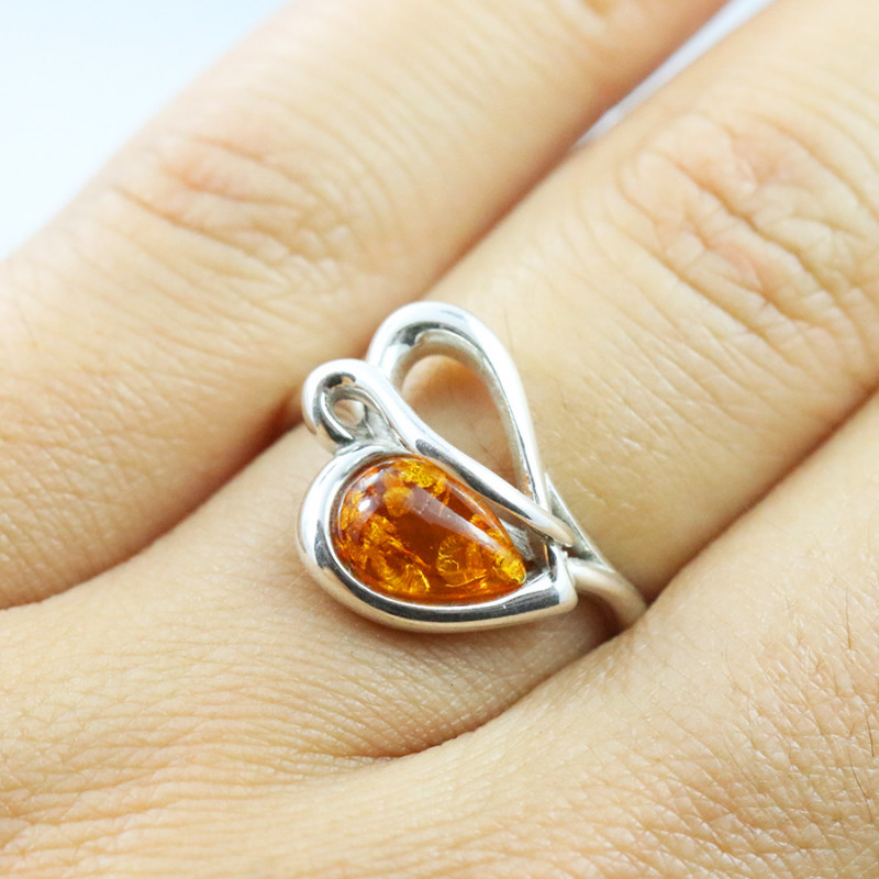 Baltic Amber Ring, direct from Poland SIZE 8 RN522