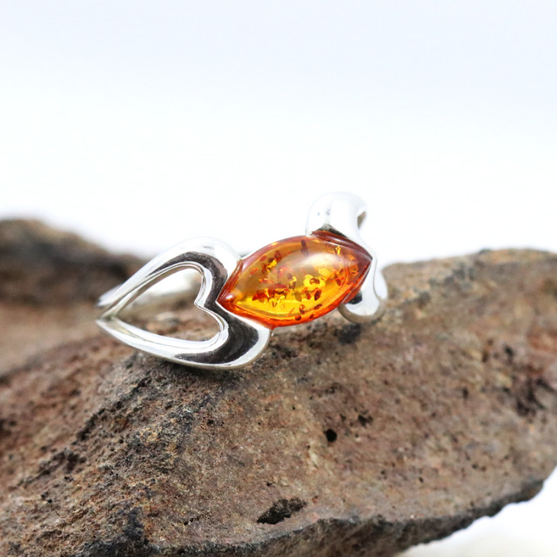 Baltic Amber Ring, direct from Poland SIZE 8 RN535
