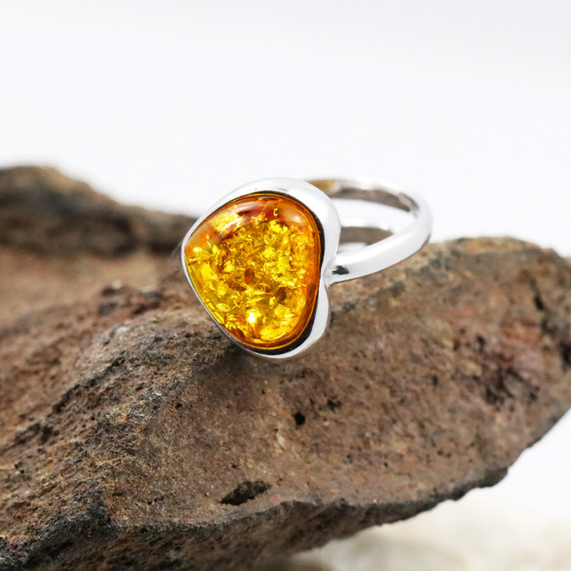 Baltic Amber Ring, direct from Poland SIZE 7 RN570