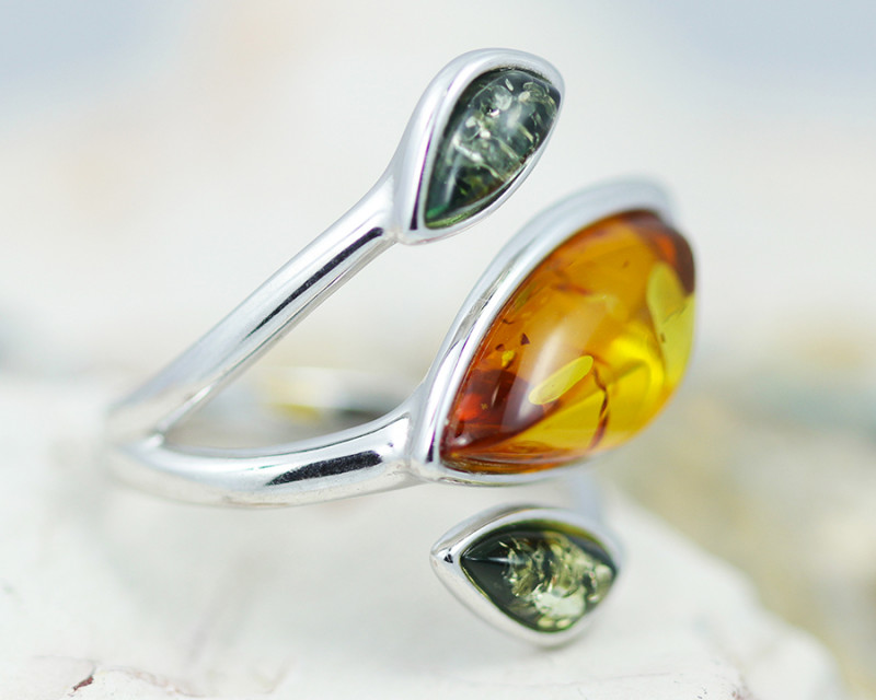 Baltic Amber Ring Apple MultiTri  size N, direct from Poland AM1433