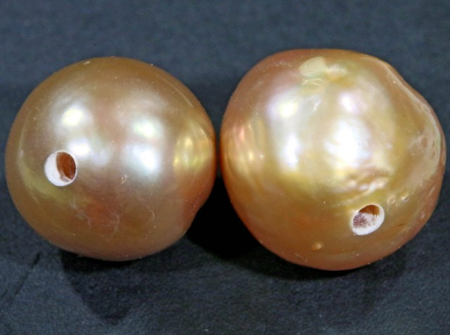 10 mm graded high luster pair pearl PP390
