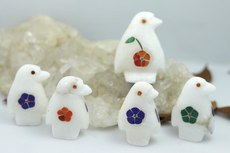 Cute PENQUIN  family marble Gemstone carvings Bu 2650