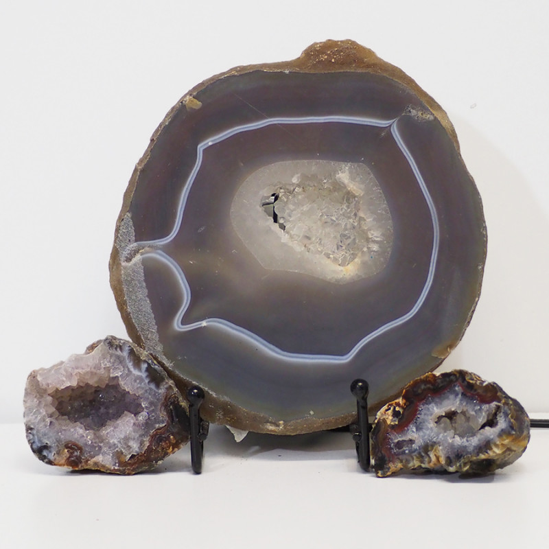 0.9kg Sliced Brazilian Crystal Agate Lamp with Crystal Specimen J95