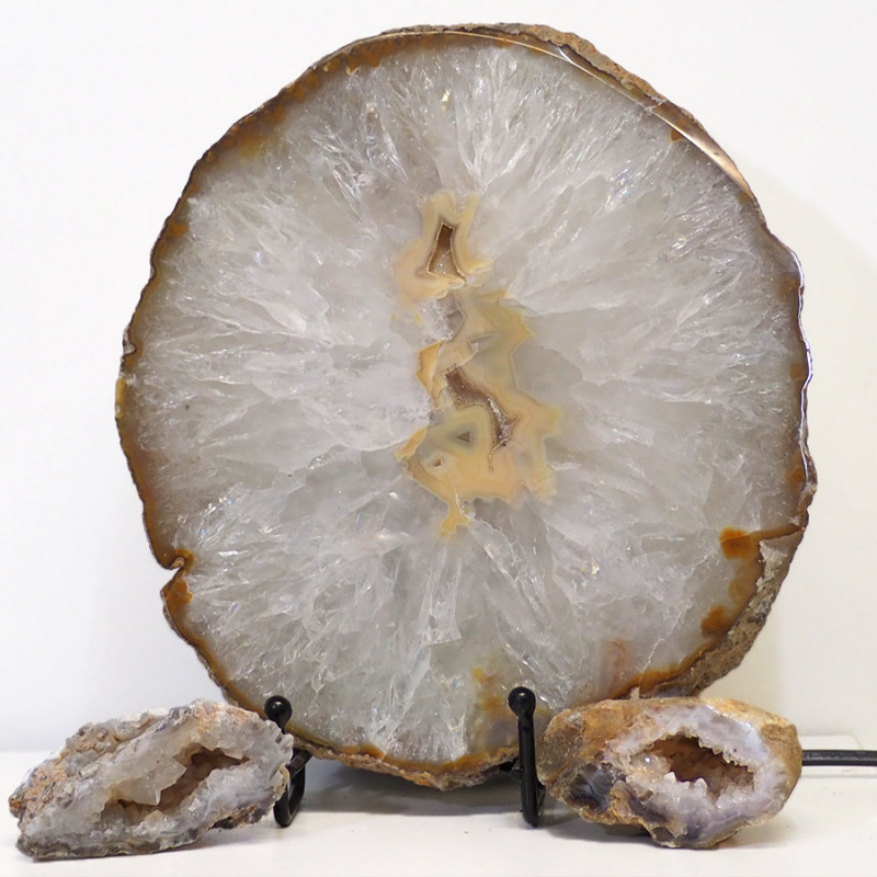 1.8kg Sliced Brazilian Crystal Agate Lamp with Crystal Specimen J117